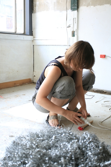 Catriona Robertson in the studio in Onishi, Japan